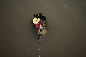 15_Суза у реци која је текла сузама