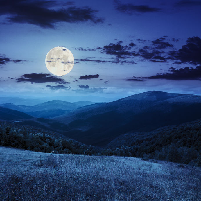 Moon-Over-Mountains1