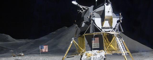 moon-landing-193761_640