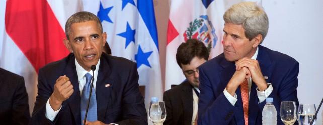 Kerry_Listens_to_President_Obama