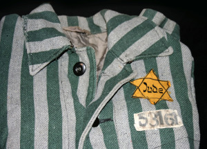 Auschwitz_outerwear_distinguish_yellow_Star_of_David